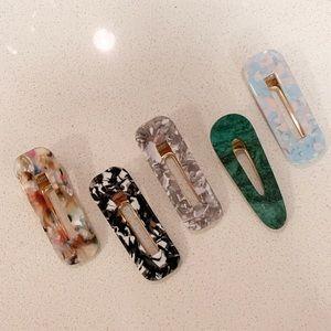 Accessories - Hair clips (x5)